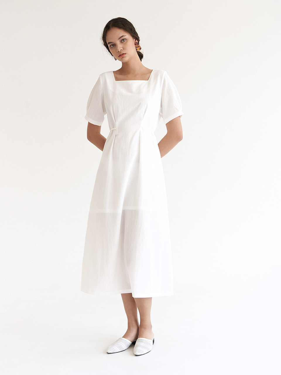 Sqaure Tuck Dress - White