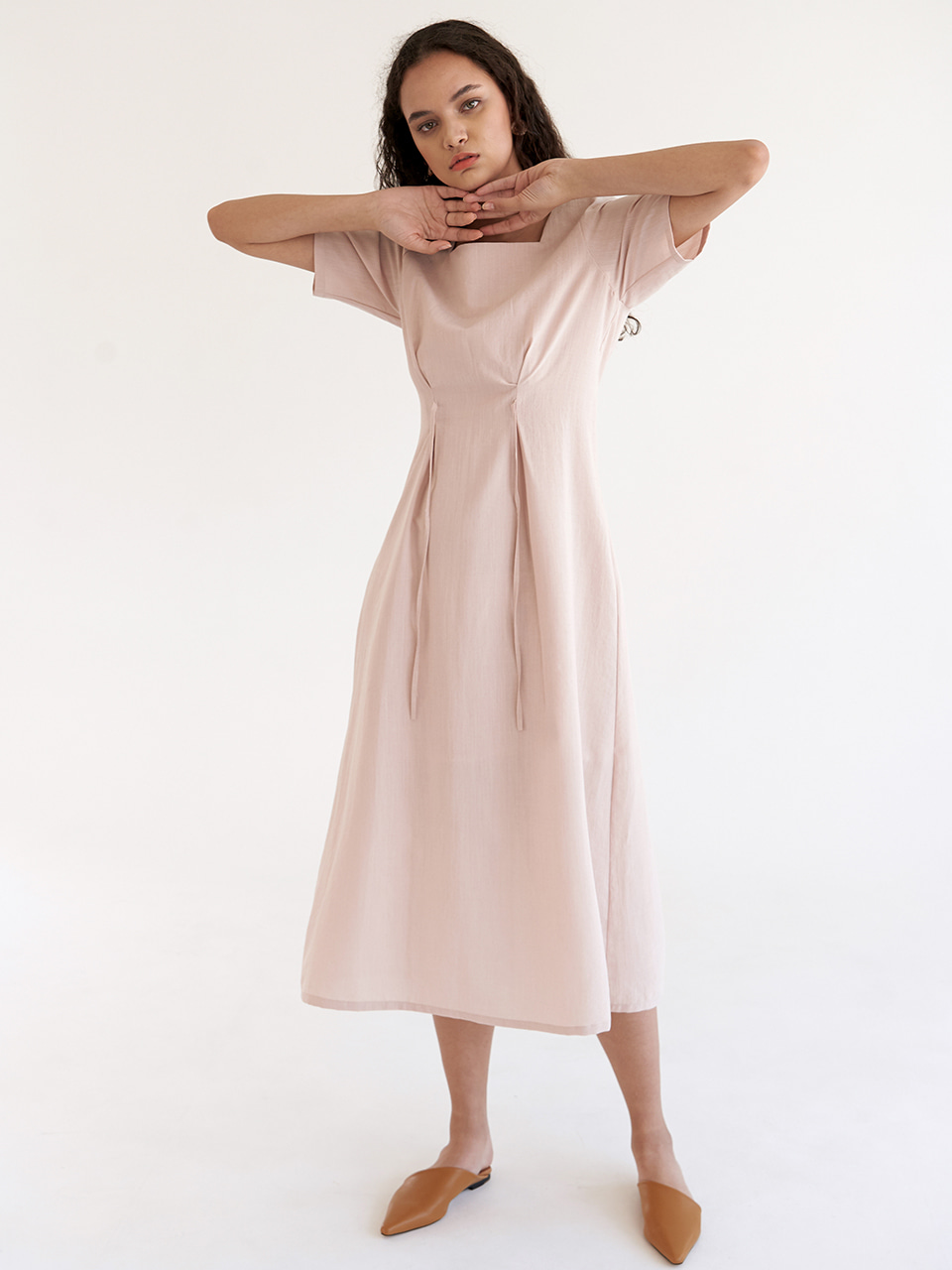 Sqaure Tuck Dress - Beige